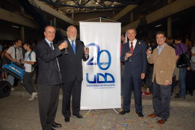 2010 20 años UDD